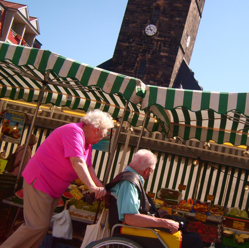 Gotha's Neumarkt, on a sunny market day