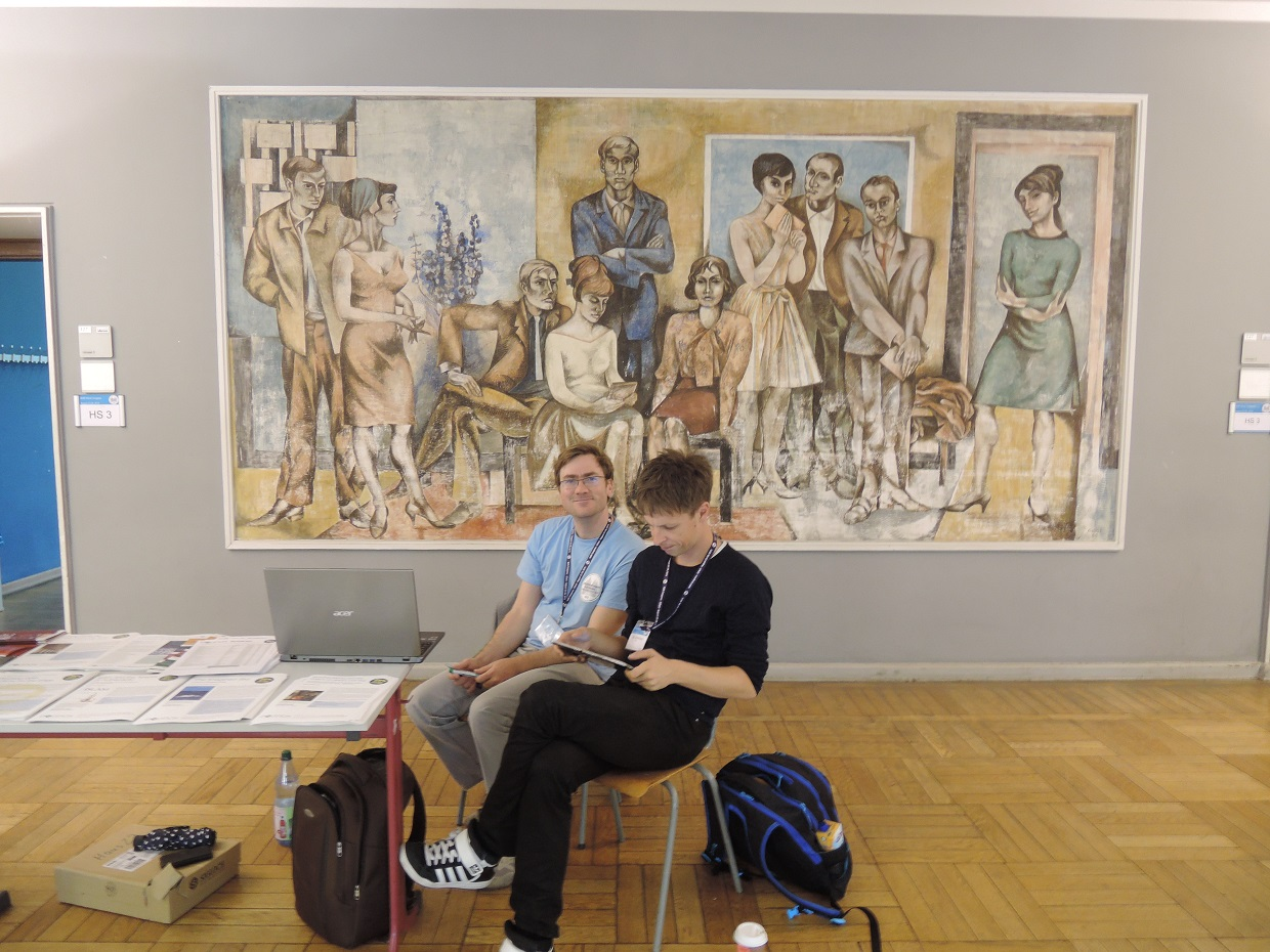 Social Realism, Erfurt University in front of the Lecture Room